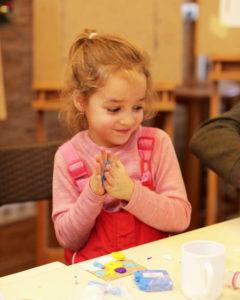 2Urol2A2427-240x300 Творческие занятия для детей 3-4-5 лет