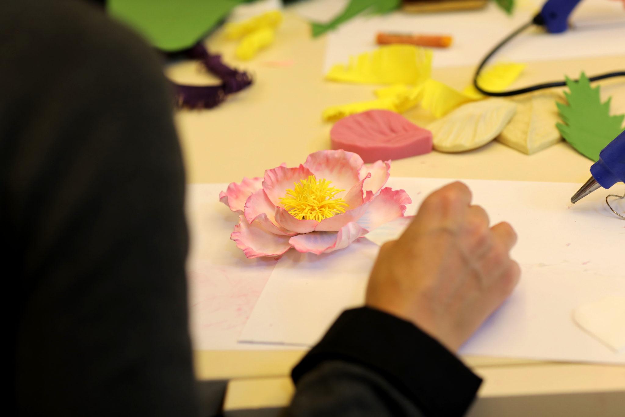 Украшения из цветов с Ларисой Гурженко - фото