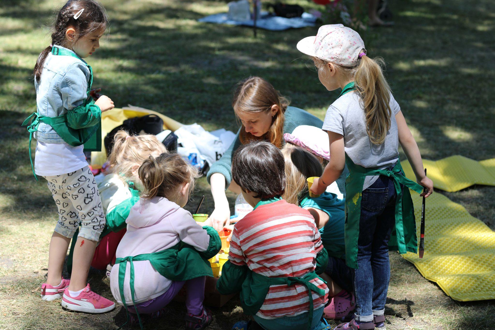 Арт-заняття у парку - фото