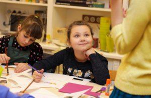 28947748_217339568845510_5240758109926176644_o-1-300x196 Що малювати з дитиною