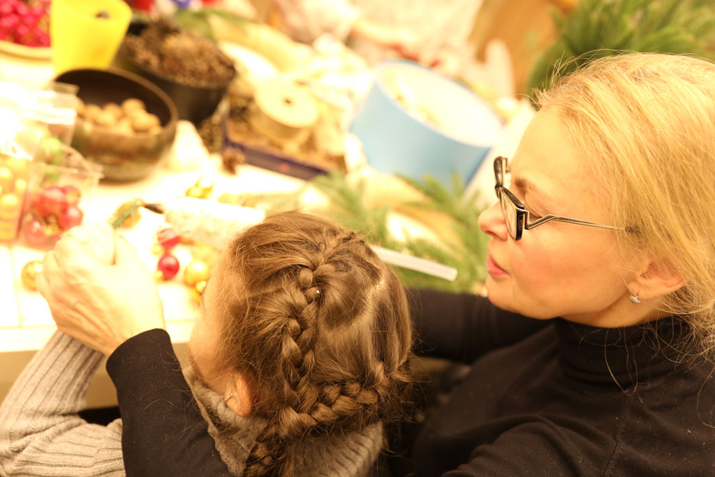 Майстер-клас Різдвяний вінок 16 грудня - фото