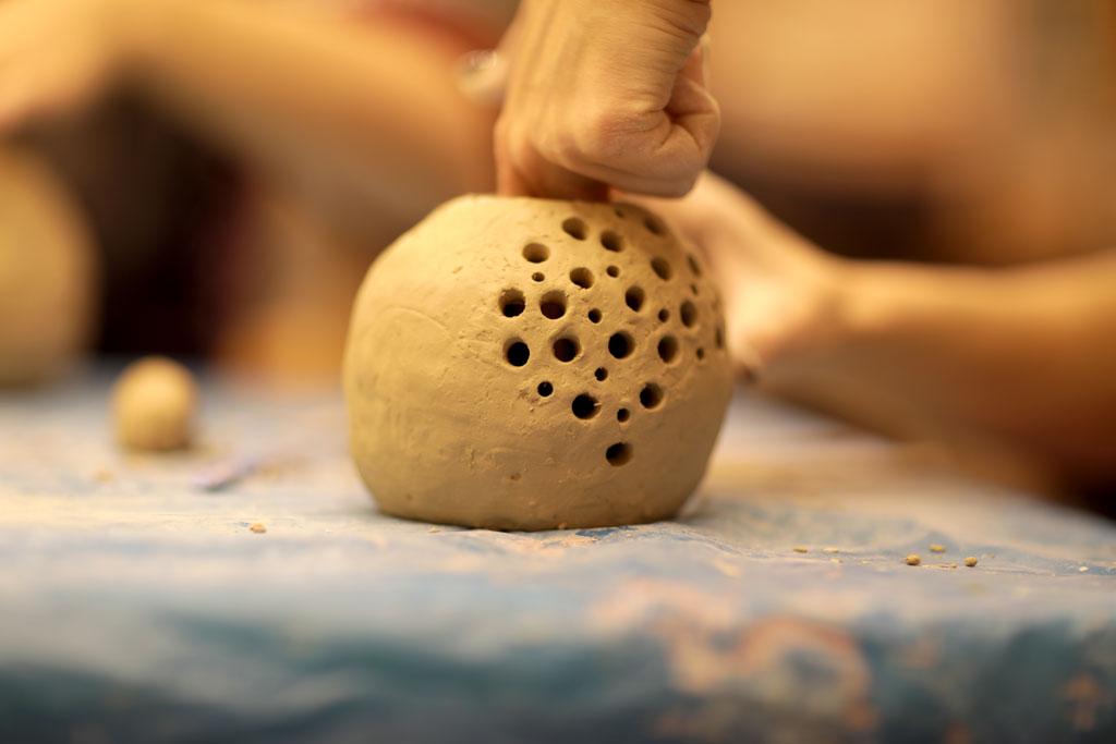 """Майстер-клас з ручної ліпки з глини """"ГРАНАТ"""" - фото"""