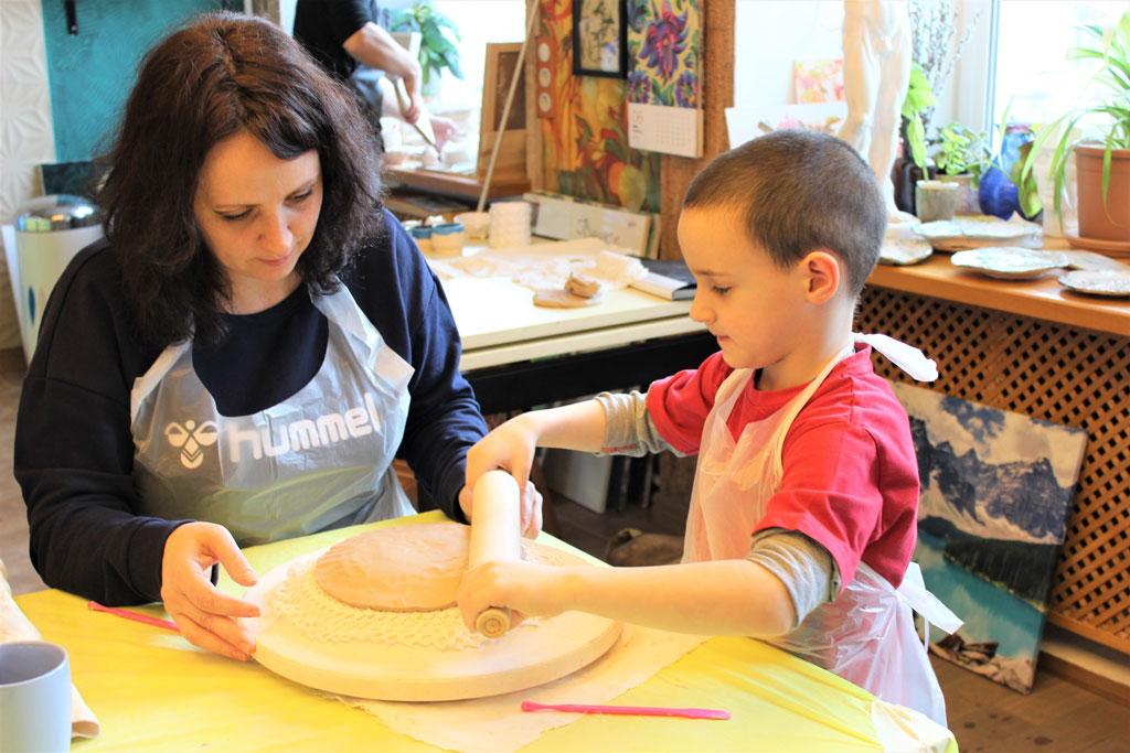 """Майстер-клас з кераміки """"Святковий посуд"""" 24 березня - фото"""