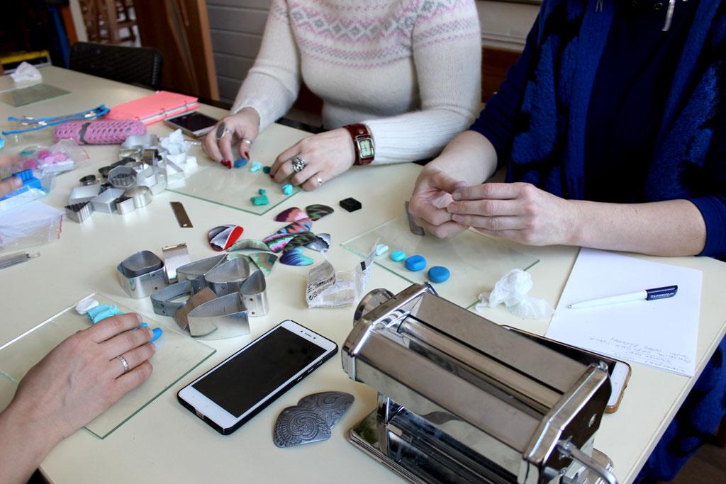 Майстер-клас з полімерної глини в техниці ІКАТ 23 лютого - фото