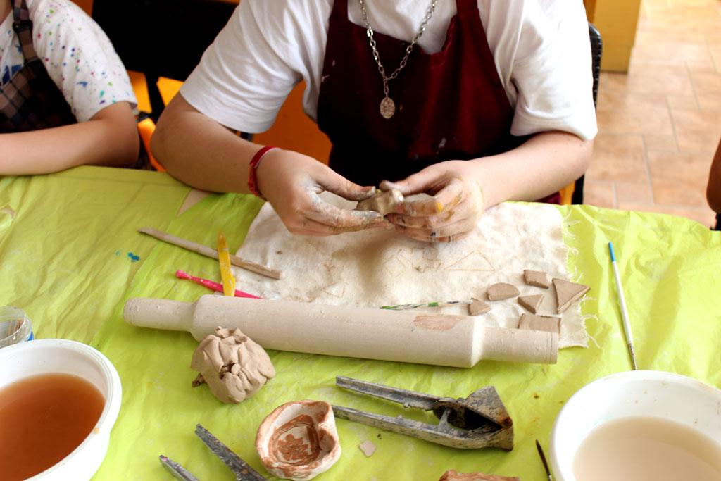 Лепка из глины каждую пятницу в 18:00 - фото